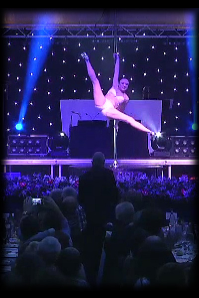 bety pole dance - spectacle cabaret performance